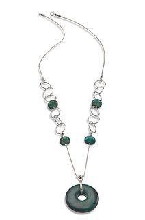 Magnolia's sumptuous silver necklace
